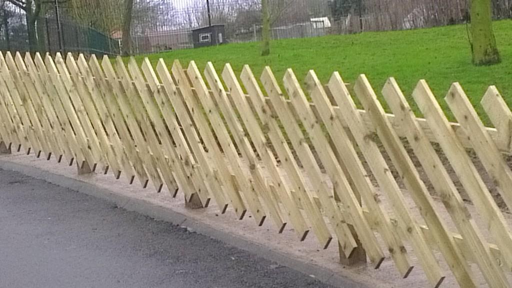 Diagonal Paling Fencing